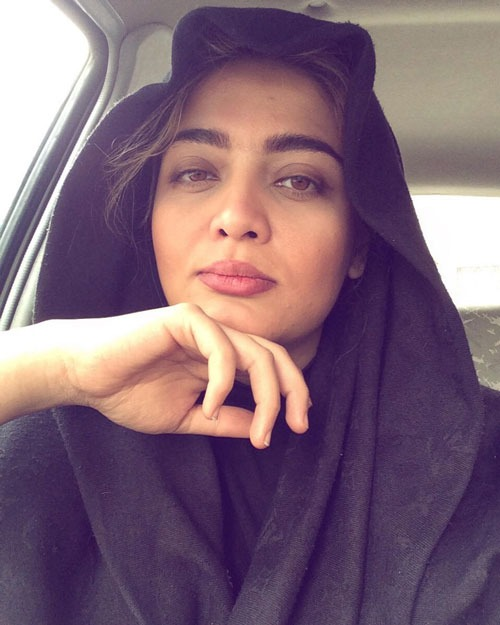 عارفه معماریان بازیگر نقش بهار (خواهر کاوه) در سریال مانکن