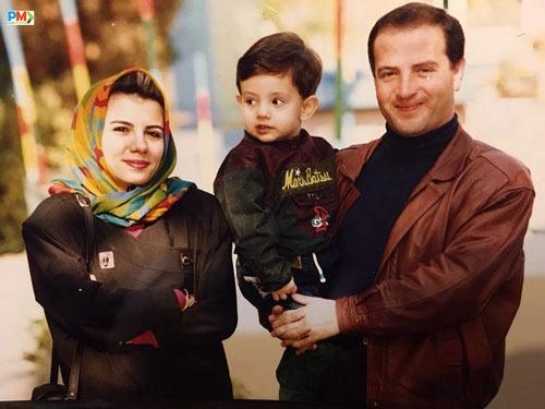 عکس کودکی امیر کاظمی با پدر و مادرش