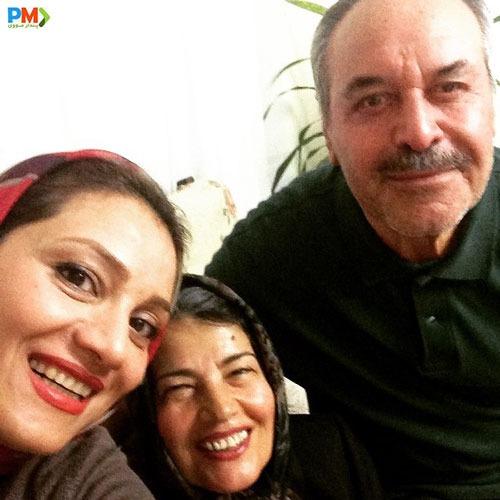 شبنم مقدمی با پدر و مادرش