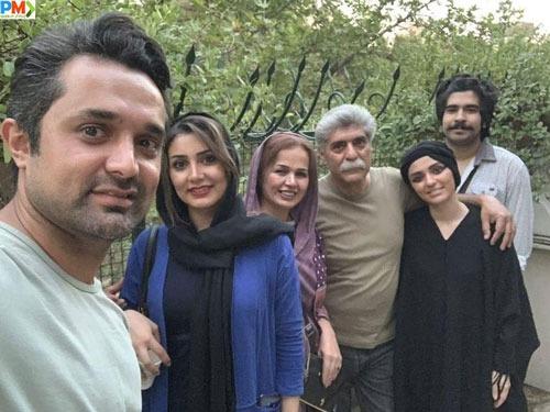 روژین رحیمی طهرانی در کنار پدر و مادرش