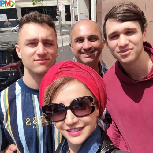 شبنم قلی خانی به همراه برادر و برادرزاده هایش