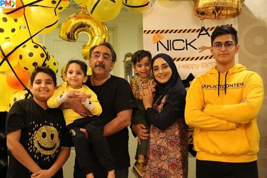 شهرام شکیبا و ستاره قطبی به همراه سه فرزندشان