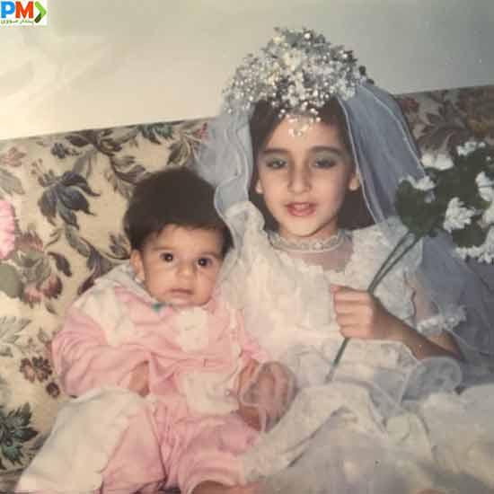 آزاده سیفی و خواهرش